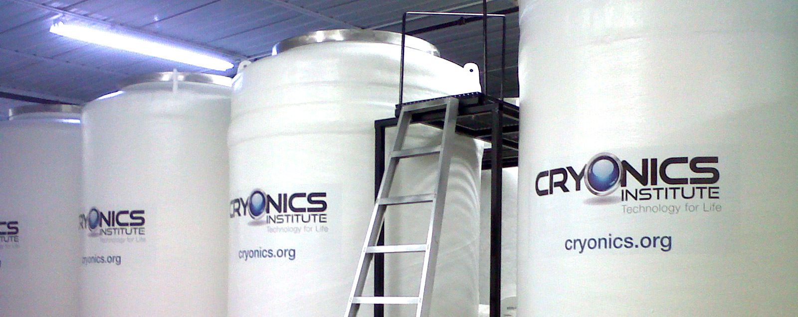 cryonics tanks